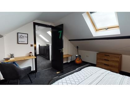 Room in a Shared House, Castleford Road, WF6