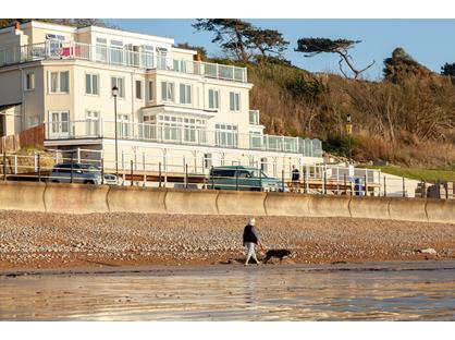 2 Bed Flat, The Beach, PO39