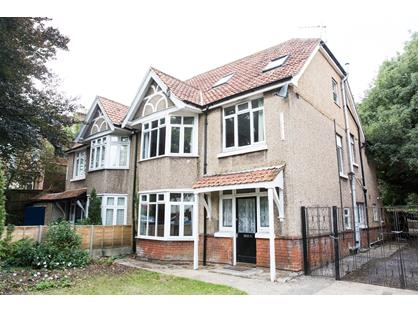 8 Bed Semi-Detached House, Belmont Road, SO17
