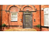 4 Bed Flat, Polygon Road, M8