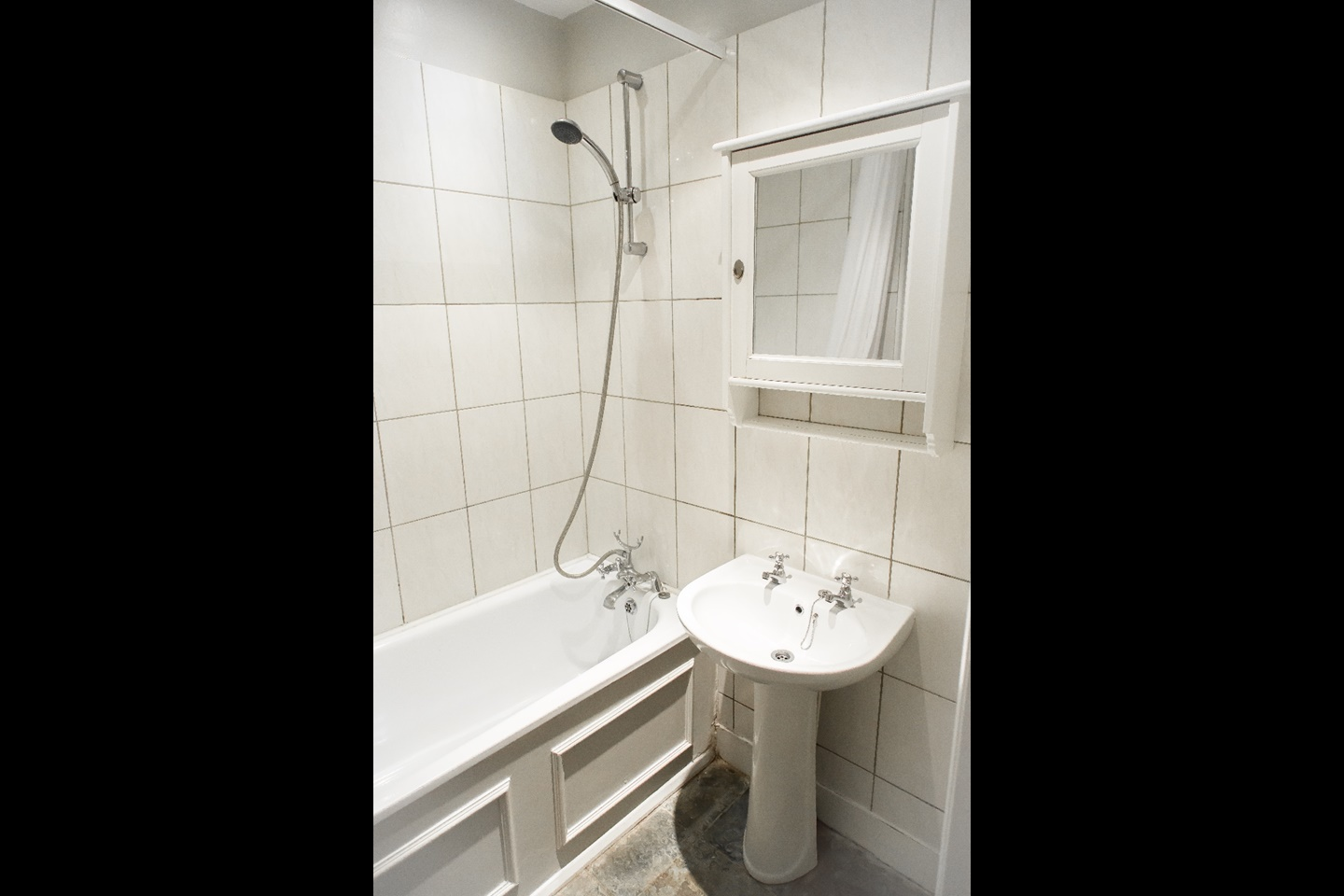 Bed Property To Rent In Colliers Wood