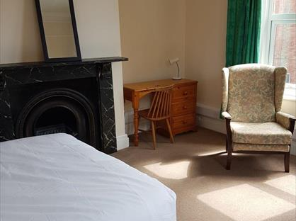 Room in a Shared House, Cromwell Street, GL1