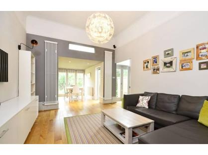 3 Bed Flat, Upper Richmond Road, SW15