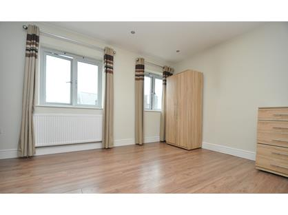 2 Bed Flat, Stainforth Road, E17