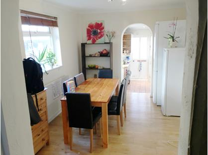Room in a Shared House, Montem Road, KT3