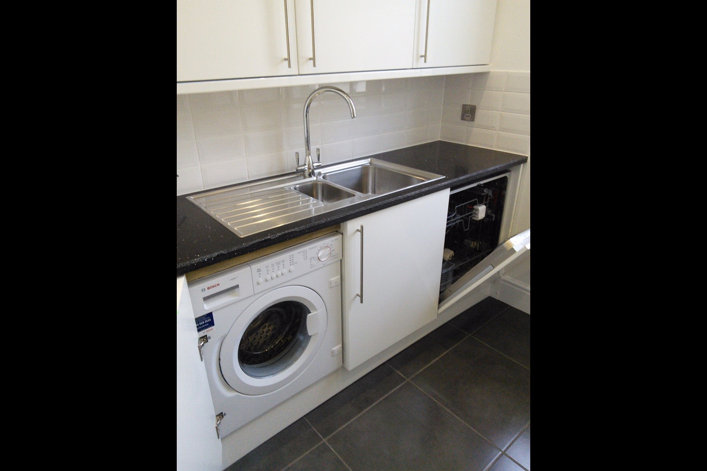 Exmouth 2 bed flat alexandra terrace ex8 to rent now for Beds exmouth