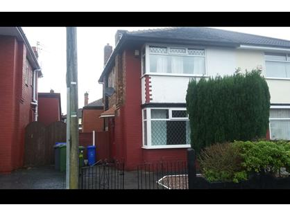 2 Bed Semi-Detached House, Keston Ave, M43