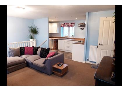 2 Bed Terraced House, Westview Close, BN10