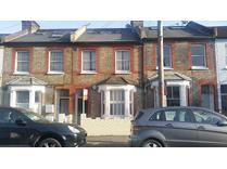 2 Bed Flat, Standen Road, SW18