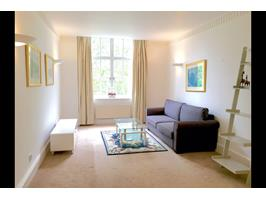 2 Bed Flat, Bloomsbury Mansions, WC1B
