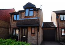 3 Bed Detached House, Tanyard Close, RH13