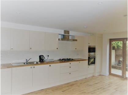 4 Bed Terraced House, St. John's Hill Grove, SW11
