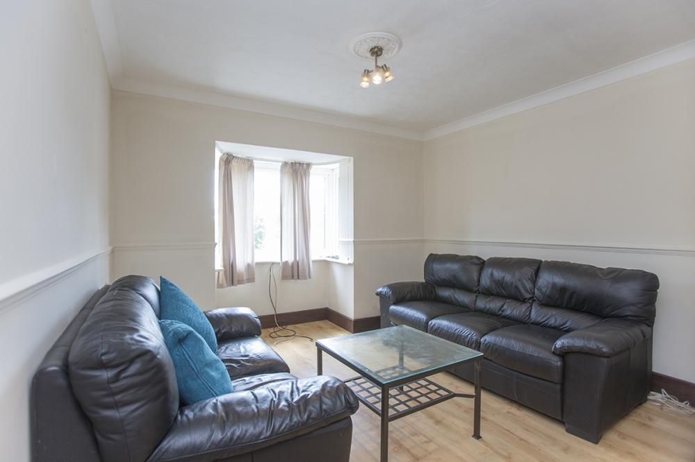Bed Property To Rent In Morden