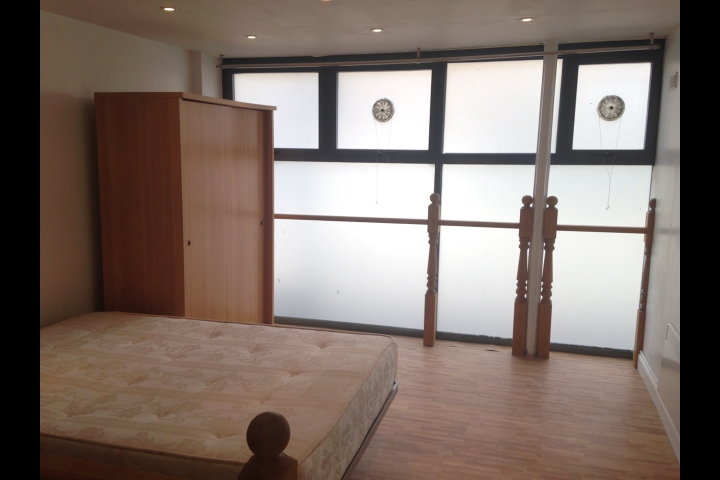 Rent  Bed Flat In Greenwich