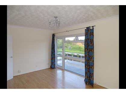 Studio Flat, St Johns Road, RG14