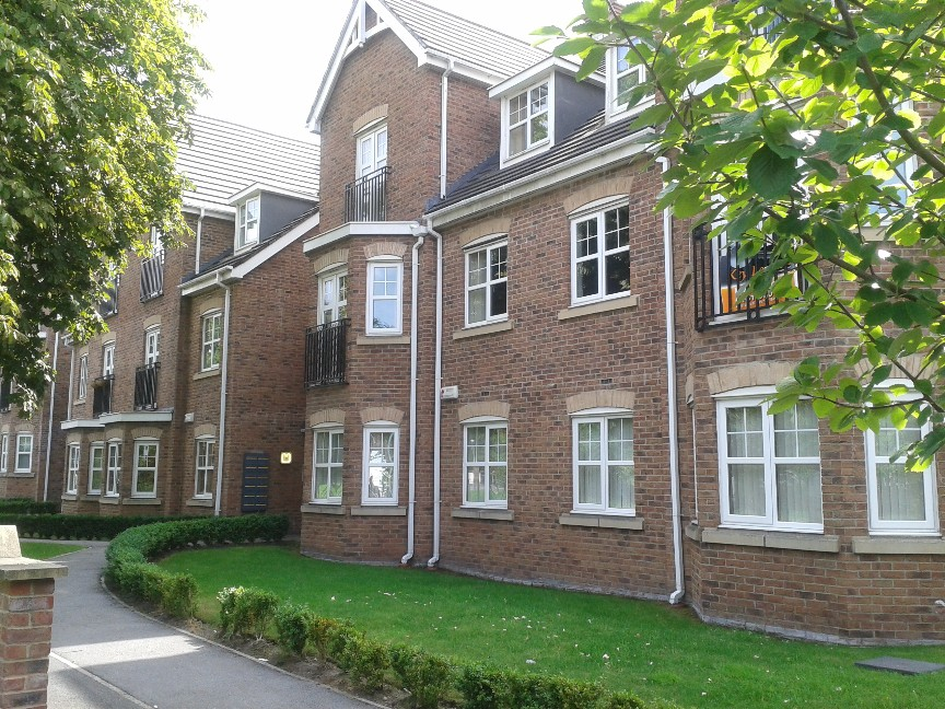 Manchester 2 bed flat monton m30 to rent now for for Chantry flats cabins rental