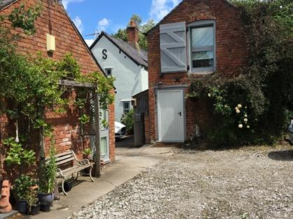 1 Bed Detached House, Luddington Hill, CW6