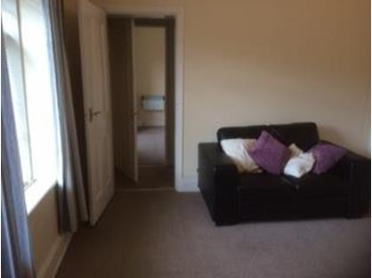 1 Bed Flat, Manchester Rd, S36