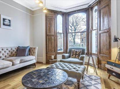 2 Bed Flat, Larkhall Rise, SW4