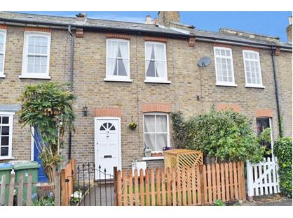 3 Bed Terraced House, Spring Gardens, KT8