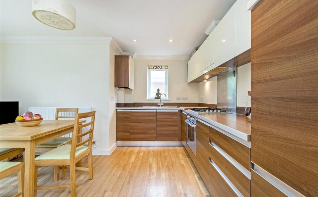 Amersham 1 bed flat lincoln park hp7 to rent now for for Apartment landlord plans lincoln park expansion