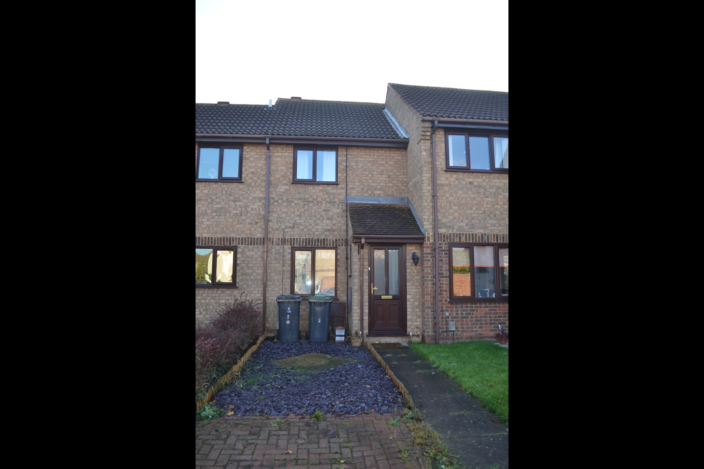 Bed House To Rent Biggleswade