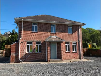 3 Bed Detached House, Heol Y Parc, SA15