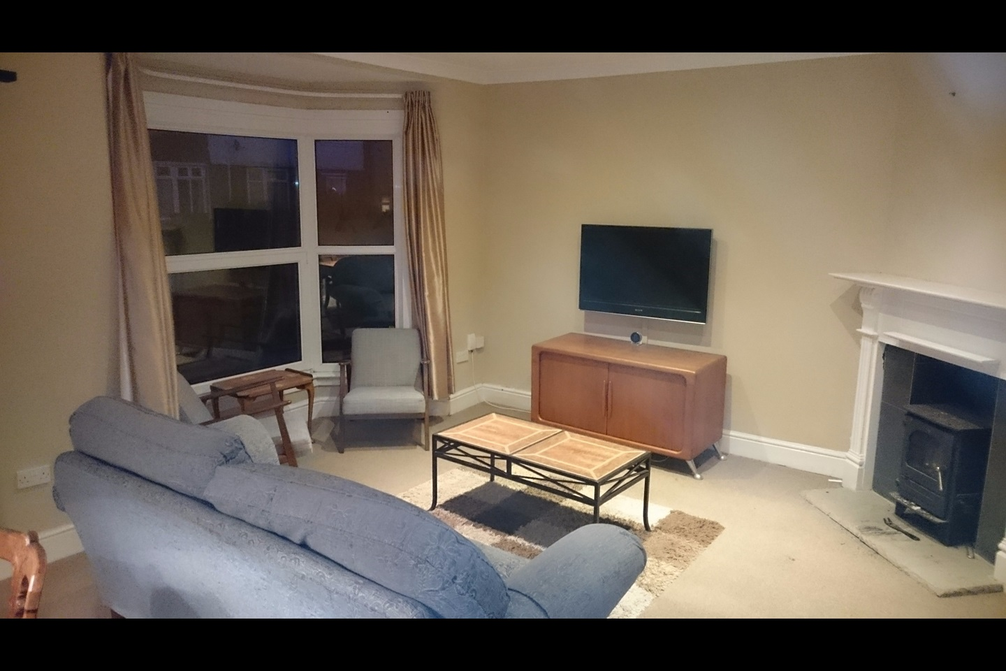 Swansea  Bed Flat To Rent