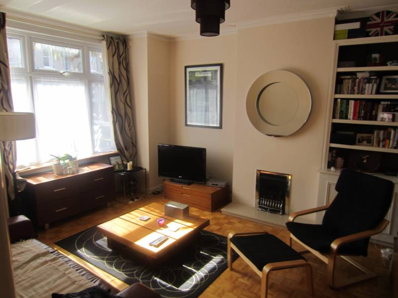 London 1 Bed Maisonette Courtney Road Sw19 To Rent