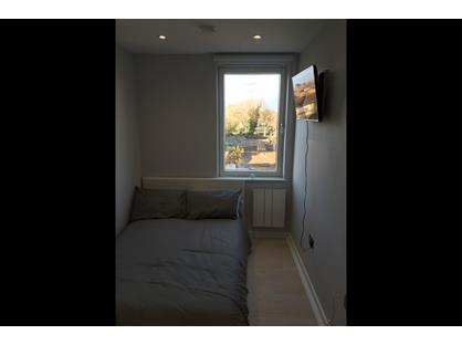 Room in a Shared Flat, Paragon Block B, TW8