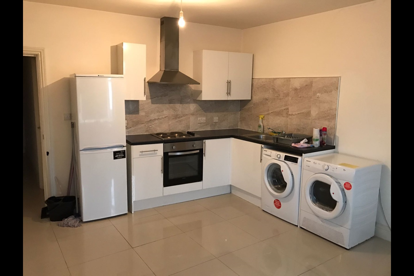 Bed Flat To Rent In Hounslow