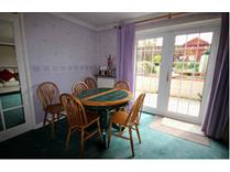 4 Bed Terraced House, Keldholme, RG12