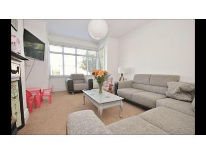 2 Bed Flat, Arnewood Road, BH6