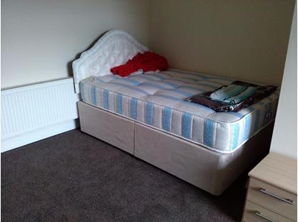 1 Bed Flat, Leeds Road, HD2