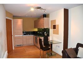 2 Bed Flat, Worcester Street, B2