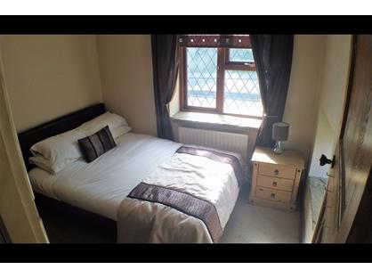 Room in a Shared House, High Street, S62