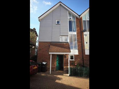 3 Bed Semi-Detached House, Lindel Court, ME19