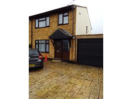 3 Bed Semi-Detached House, Orchard Avenue, SS5