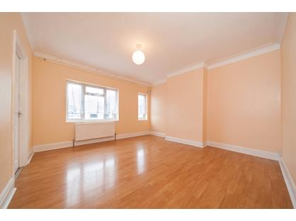 2 Bed Flat, Marlborough Parade, UB10