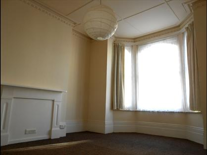 1 Bed Flat, Carisbrooke Road, TN38
