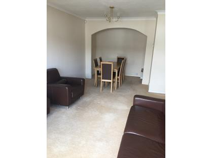 2 Bed Maisonette, Quantock Close, UB5