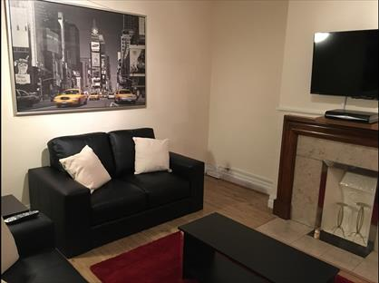 2 Bed Flat, Barons Keep, W14