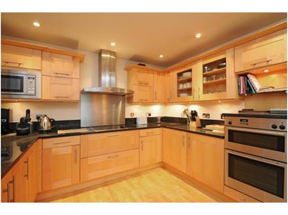 2 Bed Flat, Blade House, TW10