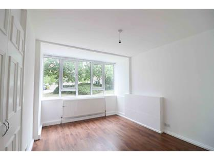 Room in a Shared Flat, Ashbourne Court, N12