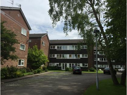 2 Bed Flat, Lawngreen Avenue, M21