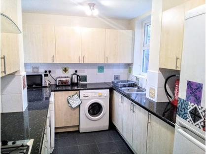 Room in a Shared House, Blantyre Road, L15