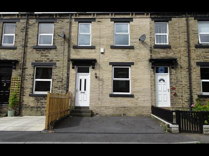3 Bed Terraced House, Prospect Terrace, BD19