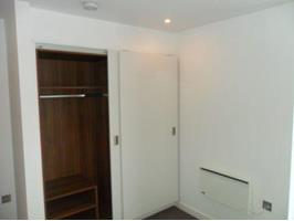 2 Bed Flat, St Paul's Parade, S1