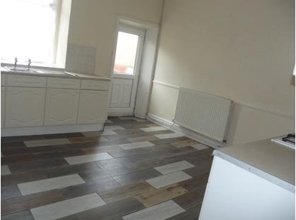 2 Bed Terraced House, Queen Street, BB5