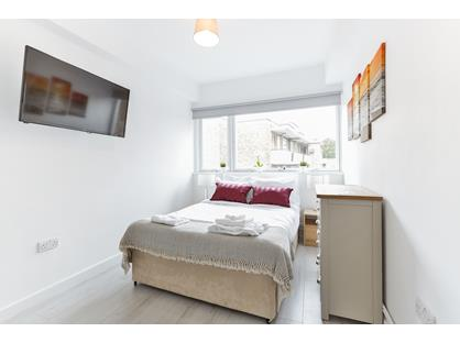 3 Bed Flat, Acre Lane, SW2
